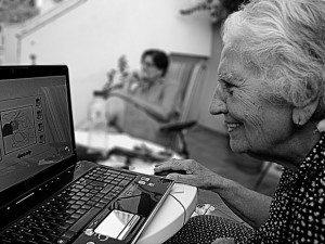 Abuela Social Media